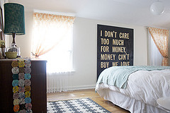 Post image for Quick Ways to Decorate your Bedroom on a budget